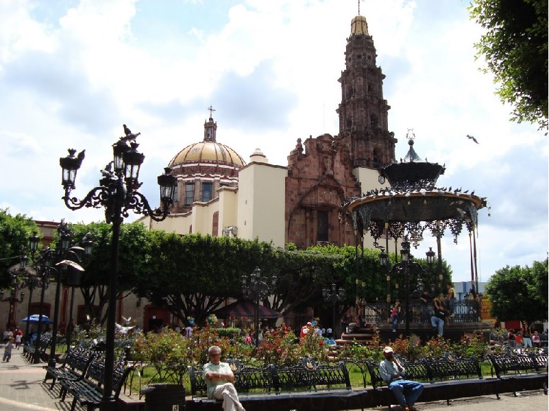Plaza Atotonilco