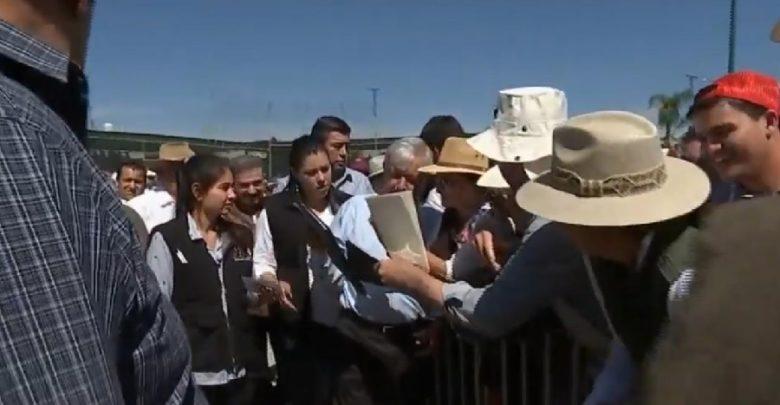 Solicitan a AMLO. Foto: Captura video Gobierno de México.
