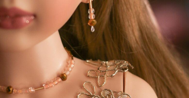Los detalles de los vestuarios y la bisutería son hechos a mano por mujeres y hombres ocotlenses.