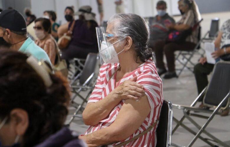 Sin fecha para aplicar segunda dosis a adultos mayores en Ocotlán. Foto: Facebook.