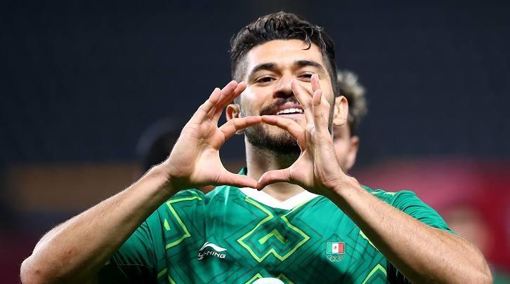 Henry Martín durante la celebración de su gol. Foto: Reuters.