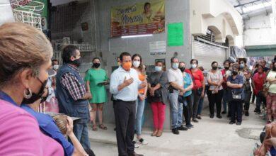 Se reúnen locatarios con alcalde. Foto: Marcelo Ramírez.